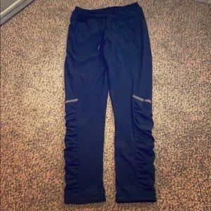 Lululemon outdoor running pant w/built in leggings